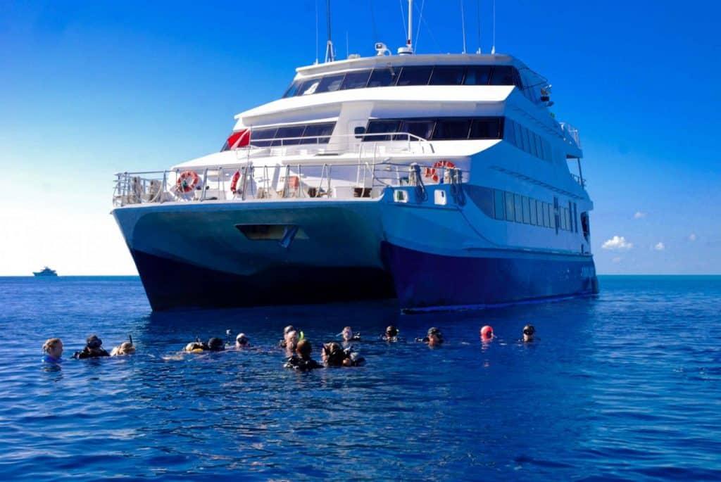 Liveaboard diving at Bahamas