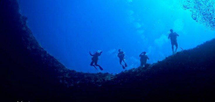 Diving the Lost Blue Hole at Bahamas